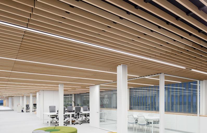 falso techo de lamas de madera wood slat false ceiling Faux plafond de lames bois 016